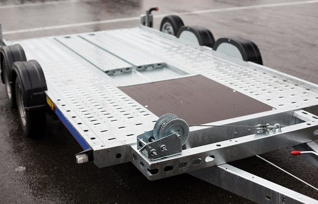 Enclosed, Covered, or Uncovered: What Type of Trailer Storage is Right For You?