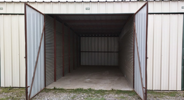 Why You Should Lease an Enclosed Storage Unit