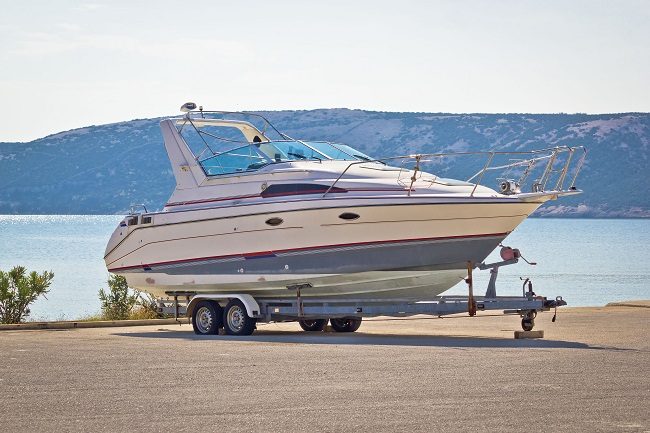 4 Tips for Choosing the Best Boat and RV Storage