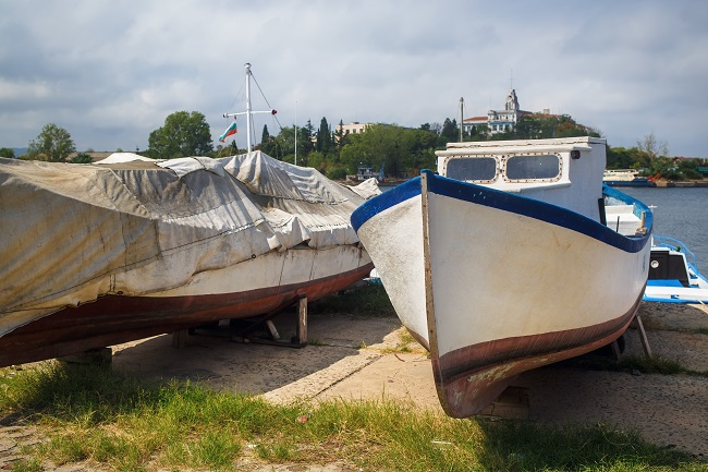 Has Your Boat Suffered From Weather Damage? Consider Self-Storage