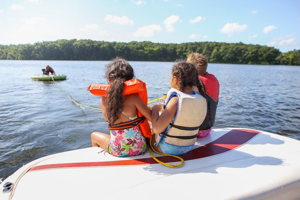 Smart Boating Safety Tips for the Whole Family